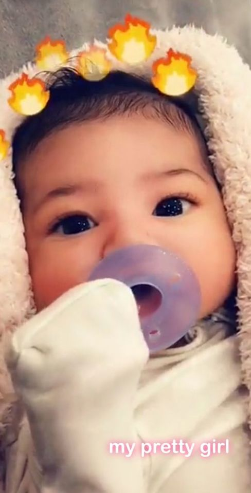 Kylie Jenner Shot 1st Look at 1-month-old Daughter Stormi