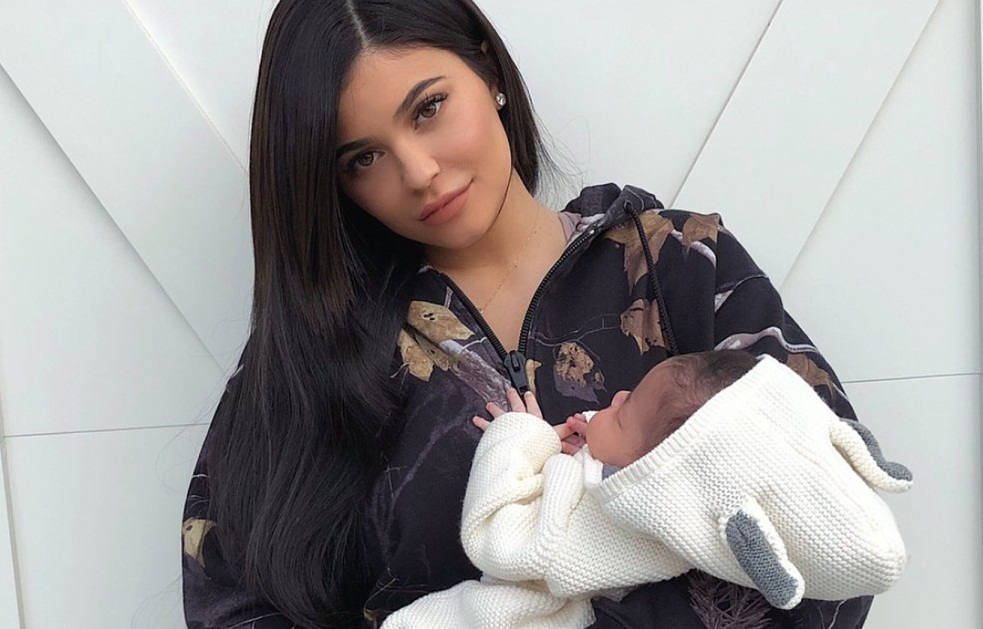 'My pretty girl!' New Mom Kylie Jenner Shot 1st Look at 1-month-old Daughter Stormi's Face