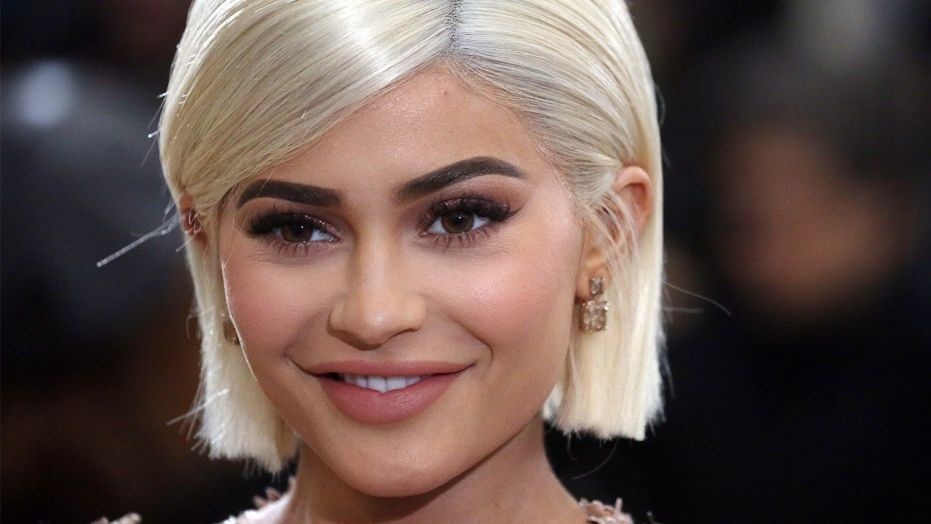 """Kylie Jenner Rented Out an Entire """"Theme Park"""" for Travis Scott's Birthday"""
