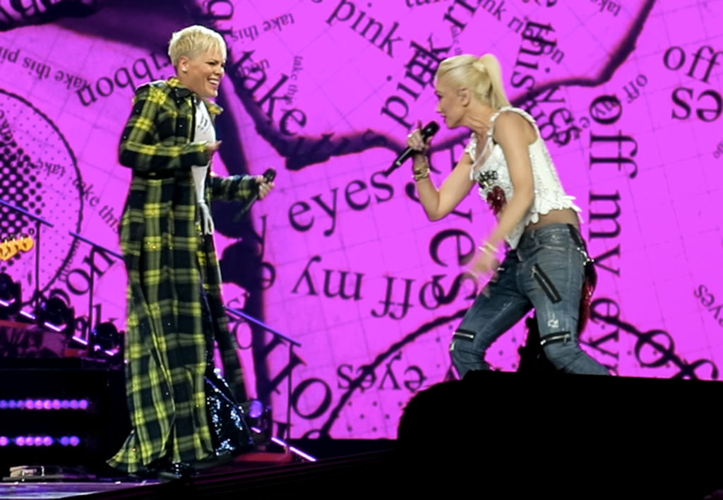 "Gwen Stefani Give Surprising Performance With Pink on Stage ""Just a Girl"""