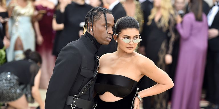 Kylie Jenner Show-off Her Bare Butt in First Magazine Cover With Travis Scott